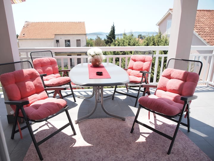 Apartments Villa Vrebac Badem-Standard One Bedroom Apartment with Terrace and Sea View