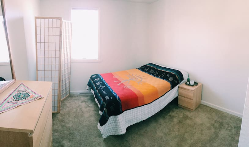 Good Vibes on the beach, private room on 3rd floor - Milford - Apartment