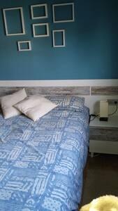 Habitacion con baño particular en adosado