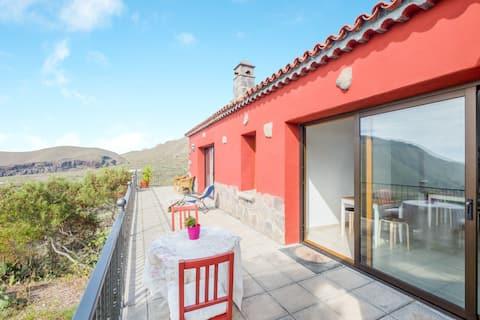 """Lep studio apartma """"Estudio Verode"""" s pogledom na gore, pogled na morje, Wi-Fi, terasa, vrt & bazen; Parkirišče na voljo, Hišni ljubljenčki niso dovoljeni"""
