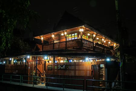 Fahsai Homestay Wooden Thai stlye - 曼谷 - 独立屋