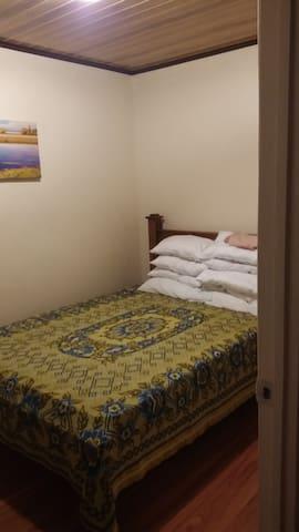 Alquiler de habitación y otros servicios