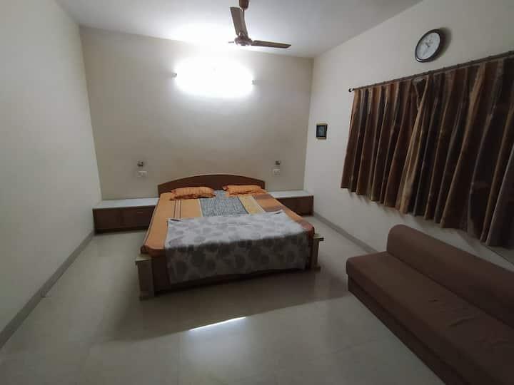 Enjoy! Bharuch Home Stay