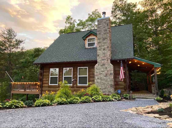 The Comfy Cabin in Cosby, TN