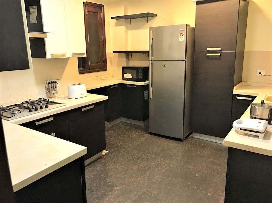 Fully loaded modular Kitchen with Stovetop and all cooking amenities