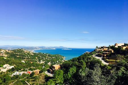 Amazing sea views in Begur town center house