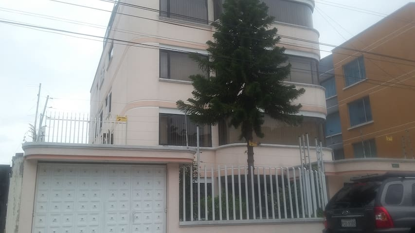 165 mts Comfortable Apartment, North of Quito - Quito - Byt