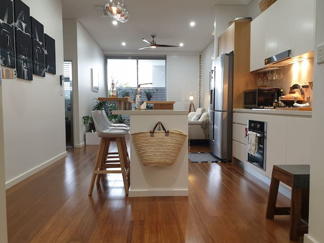 Apartment in walking distance to Bankstown airport