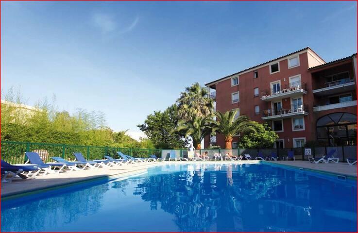 Ste Maxime T3, piscine, centre ville-plage, Wifi