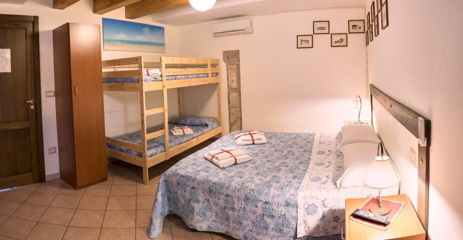 La Suite 4 - front of Aeolian Islands
