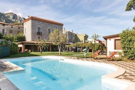 Villa con piscina - Dimora Villa RITA - Acquavena