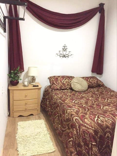 GUEST HOUSE 1 BDR. NO EXTRA FEES