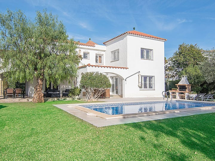 Villa 50m from the beach in Cambrils