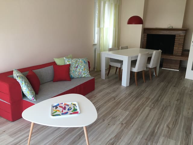BIG FLAT WITH LAKE VIEW, FAMILY FRIENDLY - Brenzone sul Garda - Daire