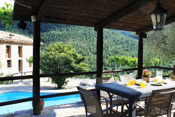 BEAUTIFUL RURAL HOUSE WITH CLIMATIC POOL (1138)
