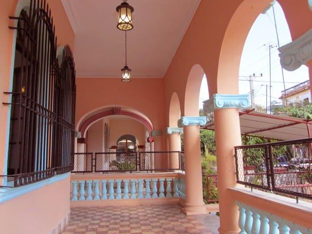 *Casa Del Colibrí (Jan. 21-23, 29-31 SUPER DEAL!!)