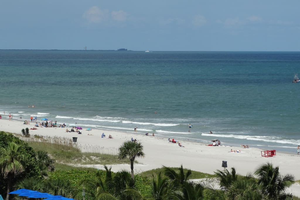 Stay in the NEWLY REMODELED 701, a unit that OVERLOOKS the Beach!