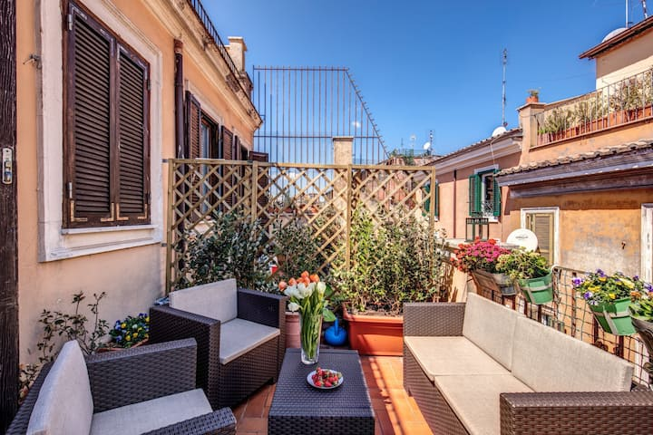 Palatino Terrace  in the heart of Rome