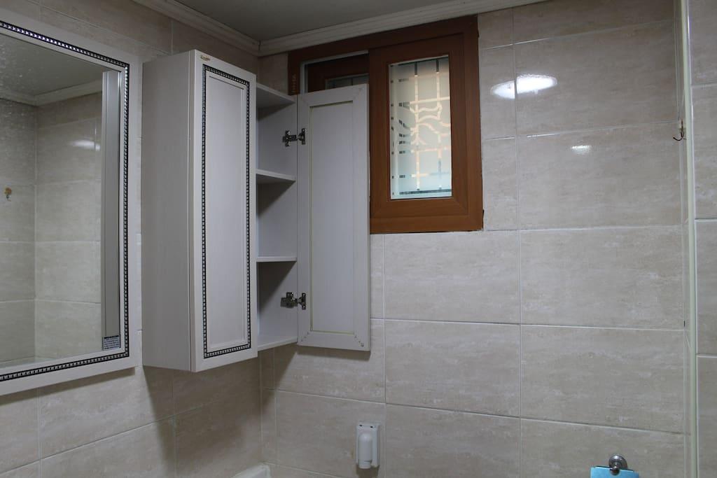 화장실 및 샤워실