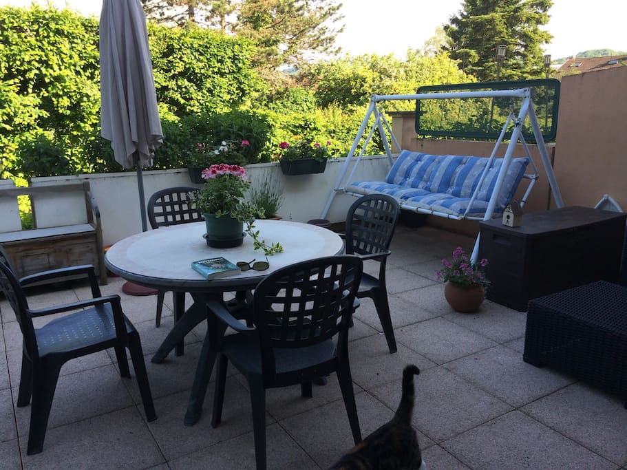 Terrasse sud-est en fin d'après-midi