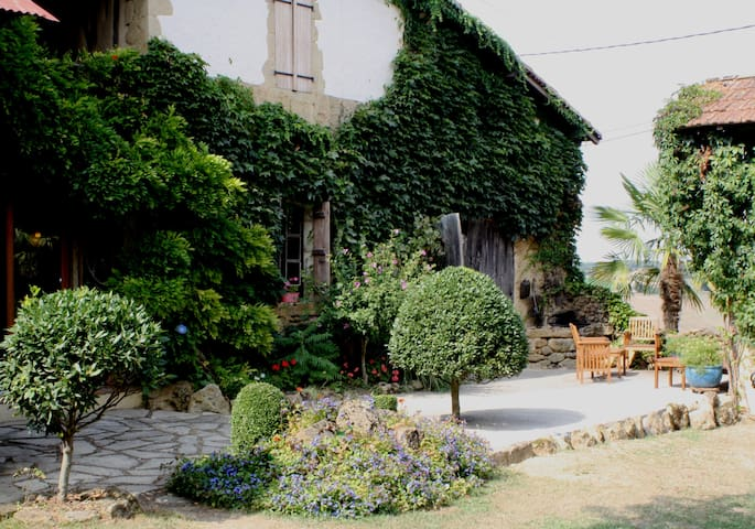 Medieval Farmhouse ideal for Jazz - Marciac - Ház