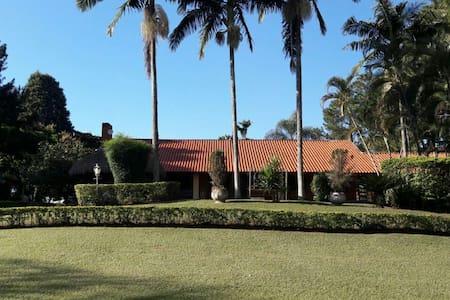 Casa de Campo maravilhosa c/ excelente infra - Itu