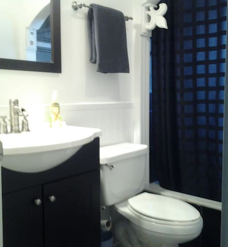Shared bathroom--cleaned daily