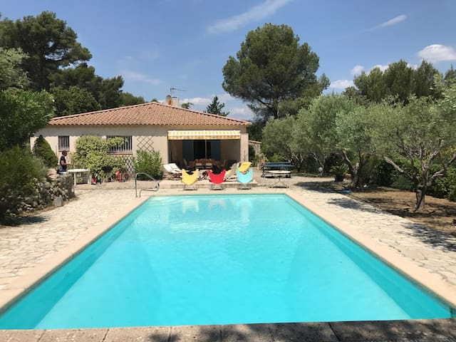 Charming house  in the  Bandol vineyards ( Var)