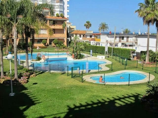 Beachside Living .  2 bedrooms and 2 bathrooms. - La Cala de Mijas - Appartamento