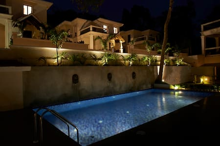 Luxurious 4BHK Villa Beleza with Hill View #31 - Vila