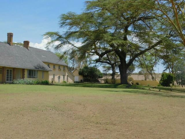 Historic house on privately owned  conservancy. - Naivasha - Maison