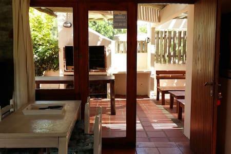 Casa Portezuelo Punta del Este a 200 mt del mar.