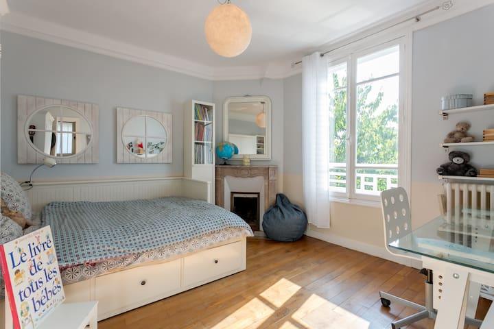 Bedroom 2/SofaBed 80 extensible 160cm/West/1st Floor