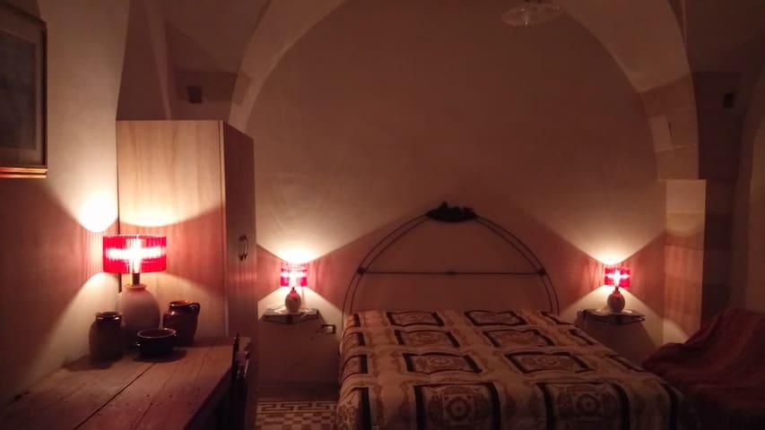 Antico appartamento tra ulivi, dolmen e menhir - Giuggianello - Huoneisto