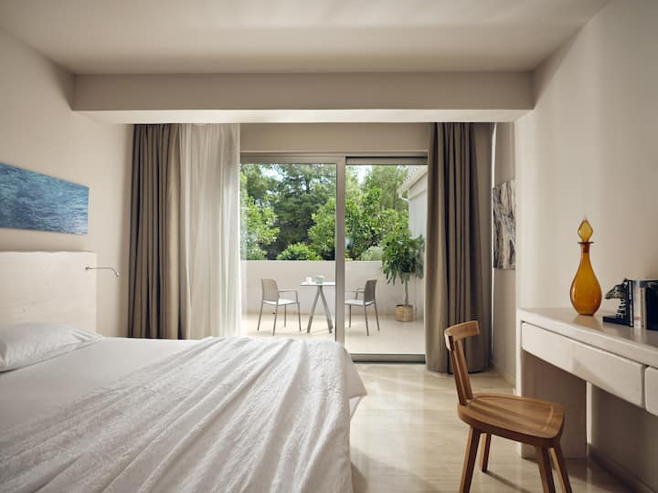 Ionian|Deluxe Double/Twin Room |Garden View[20 m²]