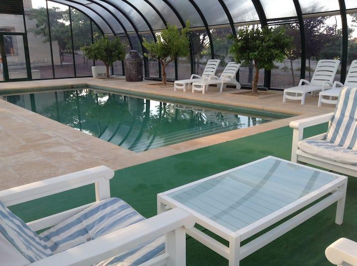 Villa de Lujo con piscina, y vistas para 8 pax