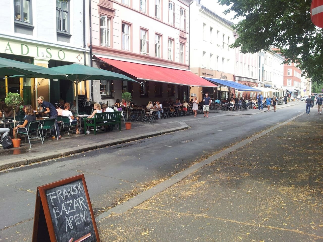We are right in the middle of the hip and trendy Grünerløkka neighbourhood. Everything on the doorstep and only 15 min walk downtown.
