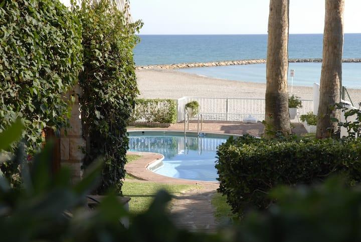 Villa en primera línea de playa