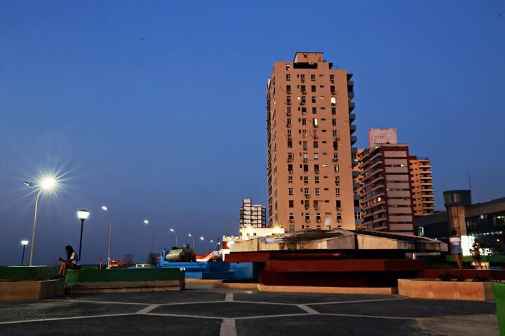 """Nuestro edificio visto desde el parque """"La Fuente"""""""