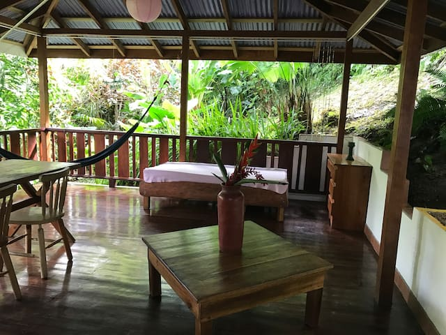 House for 2-4 w big deck & kitchen, 150m to beach