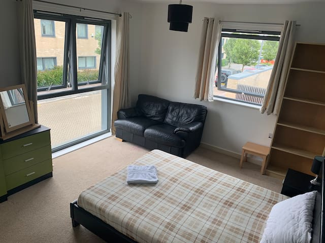Double room with sofa (1 or 2 guests)