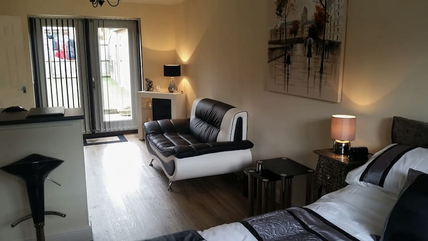 Elm Suite - Hotel style but with comfort of home - Milton Keynes - Apartmen