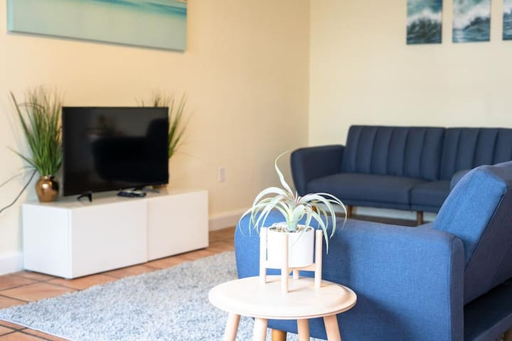 * 105  Two Bedroom  Apt on the Bay