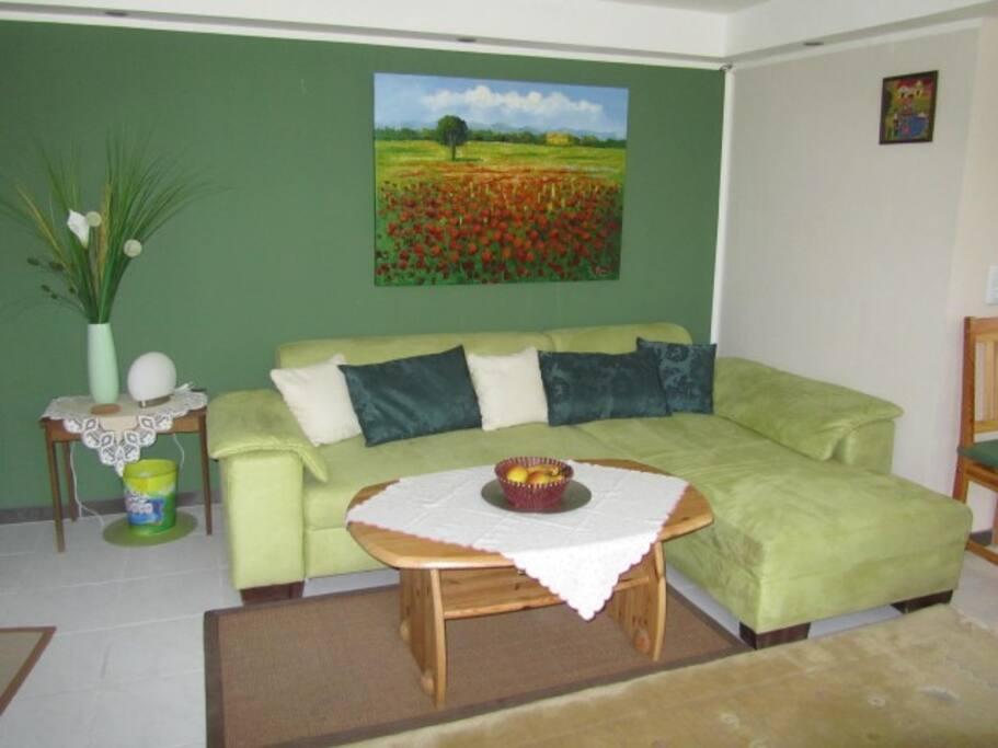 Wohnzimmer mit gemütlicher Sitzecke...