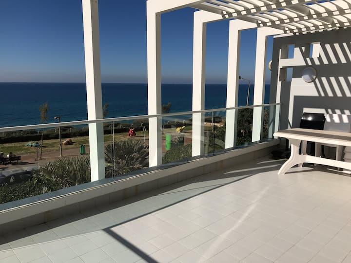 Kosher 3 bedroom apartment,  stunning balcony view