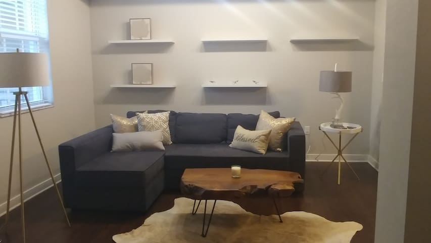Beautiful Fully Furnished Modern Loft/Apt - Wellington - Byt