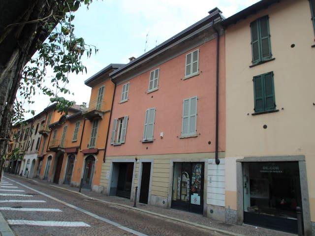 Holiday apartment Borgovico in Como