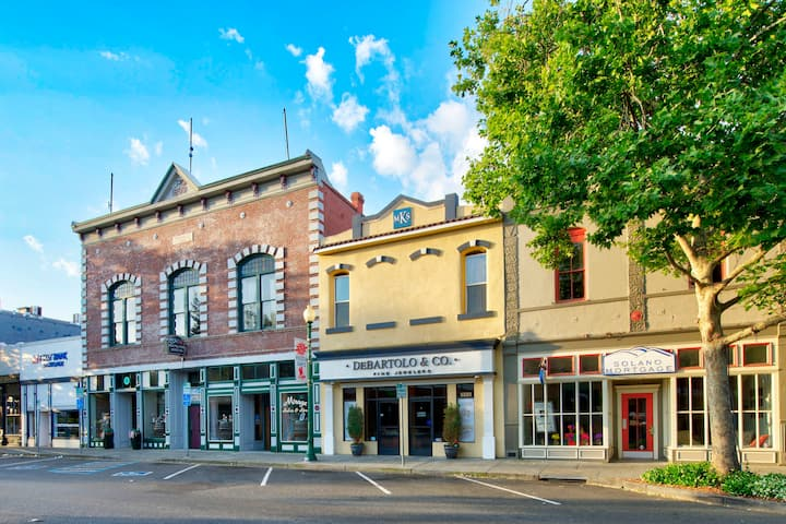 Charming Apartment in Historic Down Town Vacaville