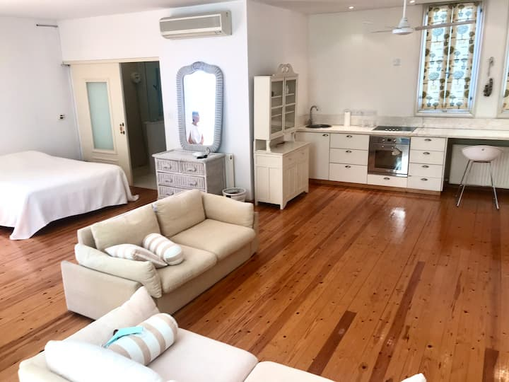 Luxury studio in a hidden oasis in central Nicosia