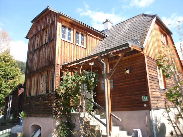 cozy cottage with mountain views and garden - Neumarkt in der Steiermark - Casa